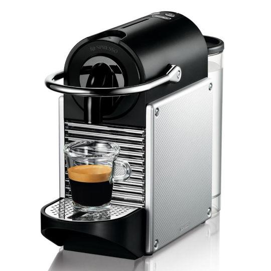"""""""gut"""" bei Stiftung Warentest 10/2013: De'Longhi Nespresso EN 125.S"""